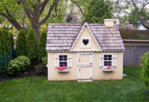 playhouse in homeowners association